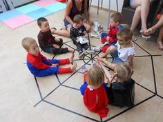 Spiderman Birthday party - pass the parcel game!