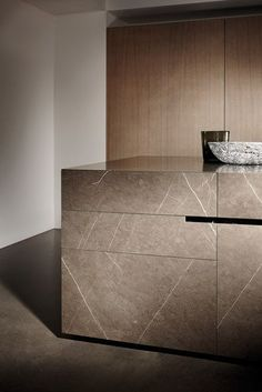 Island kitchens | Complete kitchens | Limestone | eggersmann. Check it on Architonic