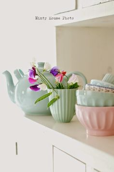 Minty House, pstaels, Ib Laursen, minty mint, pea flowers, summer time