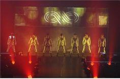 2010年、7人のメンバーで構成された男性アイドルグループが登場した。アイドルの氾濫と呼ばれる時期に出現した彼らは、わずか1年で、いわゆる時のアイドルとして歌謡界で確固たる地位を築いた。それから1年… - 韓流・韓国芸能ニュースはKstyle