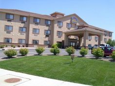 Pueblo (CO) Best Western Plus Eagleridge Inn and Suites United States, North America Located in Ridge, Best Western Plus Eagleridge Inn and Suites is a perfect starting point from which to explore Pueblo (CO). The hotel offers a high standard of service and amenities to suit the individual needs of all travelers. Service-minded staff will welcome and guide you at the Best Western Plus Eagleridge Inn and Suites. Comfortable guestrooms ensure a good night's sleep with some rooms...