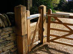 http://www.safesecuresystems.com/wp-content/uploads/2013/10/Oak-Pedestrian-Gate-with-Gas-Closer-in-Sharnbrook.jpg