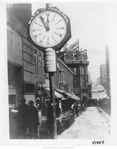 Looking east along from west of the Junction (Main & Delaware), in winter. Shows street clock used to raise funds for YMCA. Missouri Valley, Kansas City Missouri, Harvey House, West Chicago, Urban Life, City Photography, Main Street, Historical Photos, Great Places
