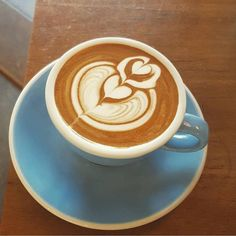 Reposting @artisanbarista_com: Beautiful looking #coffeeart @artisanbarista_com or #artisanbarista to get featured  Pic by @barista_03 #kaffee #ichliebekaffee #latte #flatwhite #coffeeart #cappuccino #latteart #cafelife #instacoffee #coffeegram #coffeeaddict #coffeelovers #coffeeholic #caffeine #artisanbarista #coffeeoftheday #coffeelife #coffeelove #specialitycoffee #coffeelover #coffee #coffeemug