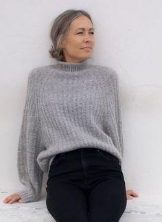 Jumper, Sweater Jacket, Crochet Shirt, Diy Crochet, Look Fashion, Fashion Outfits, Circular Needles, Knitting Socks, Elegant
