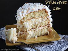 Italian Wedding Cakes, Italian Cream Cakes, Italian Creme Cake Recipes, Italian Cake, Just Desserts, Dessert Recipes, Dessert Bread, How Sweet Eats, Yummy Cakes