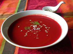 Sopa de beterraba com sementes de girassol e flor de coentros2