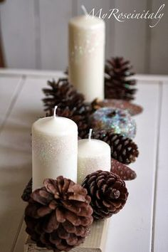 Creating a Rustic Winter Christmas Centerpiece can be easier than you think. Come see these creative ideas for creating your own Rustic Winter Centerpiece! Christmas Candles, Winter Christmas, Christmas Home, Christmas Wreaths, Christmas Decorations, Table Decorations, Diy Photo, Winter Centerpieces, Holiday Crafts