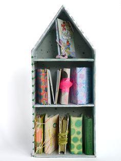 Finissage im Bücherhaus · DIY Mail Art, Bookbinding, Shelves, Diy, Home Decor, Cardboard Paper, Boxes, Art, Boxing