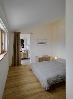 Simple Small Bedroom Interior Wood Flooring Inspiration