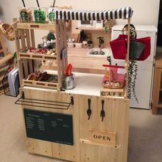 shokoさんの、ままごとカフェ,ままごとキッチン,手作り,100均,セリア,ダイソー,カラーボックス,子供部屋,ハンドメイド,のお部屋写真