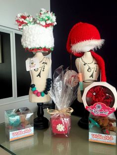 Holiday baby hats are in at Belly Love Spa, Ultrasound Center & Maternity Boutique! These are the perfect hats if you're planning on doing debuting your newborn in the holiday family card this year!
