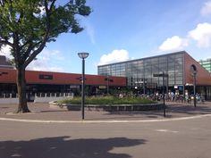 2014 06 17 entree noordzijde winkelcentrum De Hooge Meeren
