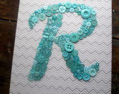 Arte infantil personalizado botón letra A por letterperfectdesigns