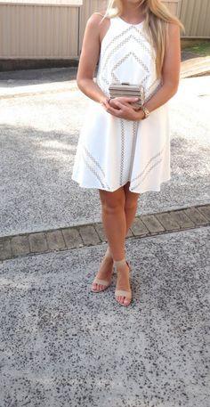 Rodeo Show Dress, Windsor Smith Heels, Witchery Clutch on fashion blog ivylanestyle.com