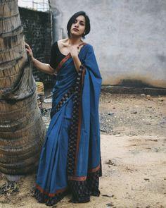 Trendy Sarees, Stylish Sarees, Cotton Saree Blouse Designs, Saree Jewellery, Saree Poses, Modern Saree, Saree Photoshoot, Rest, Indian Designer Outfits