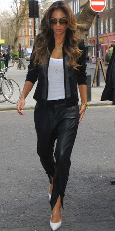 Nicole Scherzinger : swag swag son look black and white !