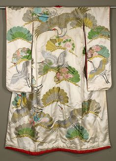 showa uchikake, really nice embroidery work