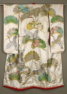 showa uchikake, really nice embroidery work