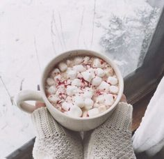 Find images and videos about photography, winter and christmas on We Heart It - the app to get lost in what you love. Christmas Mood, Merry Little Christmas, All Things Christmas, Christmas Fireplace, Christmas Coffee, Christmas Treats, Winter Things, Christmas Deco, Hygge