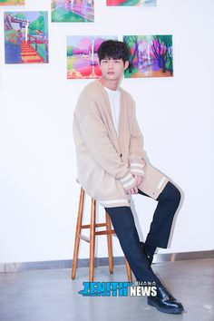[Zenith News& Jieun& by SiWen] On November Actor Lee Seo-won attended a photo session ahead of an interview at a cafe in Nonhyeon-dong Gan. Asian Actors, Korean Actors, Crude Play, Love 020, Liar And His Lover, Man Lee, Kdrama Actors, Minho, Korean Drama