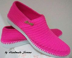 How to Crochet Boots with Flip Flops - Free Pattern + Video Tutorial Crochet Boots, Crochet Slippers, Crochet Clothes, Casual Heels, Casual Sneakers, Toms Style, Knit Cardigan Pattern, Creative Shoes, Knit Shoes