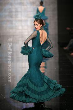 Fotografías Moda Flamenca - Simof 2014 - Faly de la Feria al Rocio 'Volantes de…