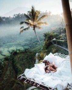 Sunrise snuggles at the tree house in Bali🖤🇮🇩 Who would you wake up with? Photo by chelsea kauai Source by thucldnguyen.