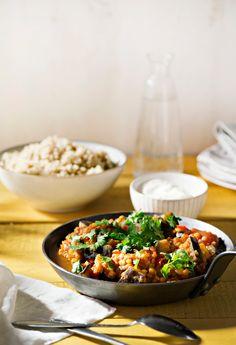 Munakoiso-linssipata | K-ruoka #kasvisruoka Vegetarian Recipes, Cooking Recipes, Healthy Recipes, Pesco Vegetarian, Vegan Foods, I Love Food, Fall Recipes, Food Inspiration, Food And Drink