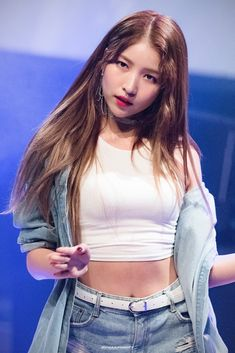 K-Pop Babe Pics – Photos of every single female singer in Korean Pop Music (K-Pop) Kpop Girl Groups, Korean Girl Groups, Kpop Girls, Kim Ye Won, Gfriend Sowon, Cloud Dancer, G Friend, Female Singers, Single Women