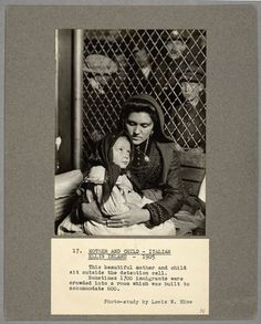 clichés de Lewis Hine à Ellis Island, réalisés entre 1905 et 1909
