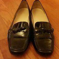 Black Patent Leather Rockport Shoes- Sz 7 Shoes are in good condition and are black patent leather sz 7 by Rockport. Rockport Shoes