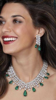 Emerald Jewelry, High Jewelry, Diamond Jewelry, Jewelry Sets, Gold Jewelry, Women Jewelry, Bollywood Jewelry, Necklace Designs, Stone Necklace