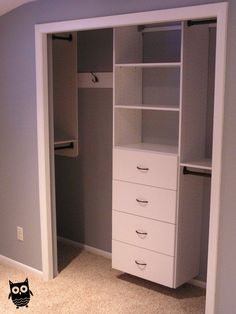 Small Closet's TIps and Tricks! Most people have small closets that can sometimes present issues with storage. Check out these small closets tips and tricks for optimizing space. Kid Closet, Closet Bedroom, Girls Bedroom, Bedroom Decor, Bedroom Storage, Bedroom Small, Bathroom Closet, Trendy Bedroom, Laundry Closet