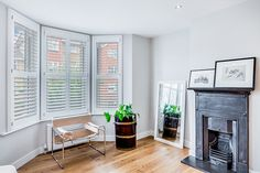 We recently had the pleasure of speaking with Kate about her Victorian Terrace home in Earlsfield which she shares with husband Francis and their three daughters. Since moving in, the couple have transformed their home as they felt it was very old fashioned and tired before their renovation work.  Our white shutters make the perfect addition to this living room. #plantationshuttersltd