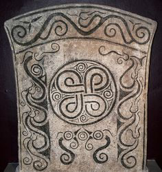 Endless Knot Picture Stone from Iron Age Fornsalen Visby S… | Flickr