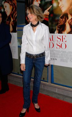 diane keaton - a woman of style who knows how to wear a white shirt! Diane Keaton, How To Have Style, Love Her Style, Style Me, Mature Fashion, Fashion Over, Trendy Fashion, Mens Fashion, Fashion Trends
