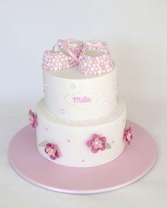 Tarta Bebé_Zapatitos ♥Sweettiers♥ http://www.sweettiers.com.au/milas-booties/
