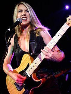 this machine -- Liz Phair Rock Artists, Music Artists, Bass, Liz Phair, Peter Frampton, Women Of Rock, Guitar Girl, Rock And Roll Bands, Female Guitarist