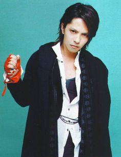 HYDE • 2007 DEC #hyde #hidetotakarai #takarai #hydetakarai #larcenciel #vamps #ラルクアンシエル #彩虹樂團 #寶井秀人