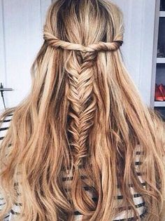 twist fishtail braid - Looking for Hair Extensions to refresh your hair look instantly? KINGHAIR® only focus on premium quality remy clip in hair. Good Hair Day, Great Hair, Messy Hairstyles, Pretty Hairstyles, Hairstyle Ideas, Perfect Hairstyle, Tips Belleza, Hair Dos, Gorgeous Hair