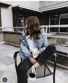 Love this look.seems like perfect casual weekend outfit - - Love this look.seems like perfect casual weekend outfit Source by Mode Outfits, Jean Outfits, Fashion Outfits, Casual Weekend Outfit, Casual Outfits, Foto Casual, School Looks, Mode Inspiration, Fashion Inspiration