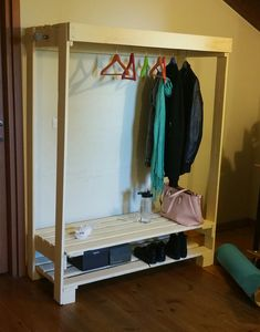 clothes rack from  recycled pallets
