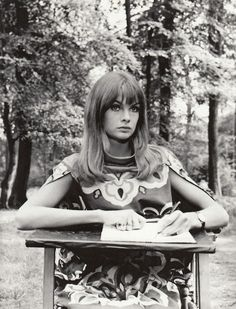 Jean Shrimpton in the Times Sunday Supplement September 1962 photographed by David Bailey Thanks to Jane Davis Jean Shrimpton, Photos Originales, David Bailey, Ford, Sixties Fashion, Vogue Magazine, Twiggy, Fashion Images, Timeless Beauty