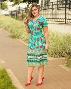 Dress floral plus size classy 70 Ideas Chubby Fashion, Curvy Girl Fashion, Modest Fashion, Plus Size Fashion, Fashion Dresses, Trendy Dresses, Simple Dresses, Nice Dresses, Casual Dresses