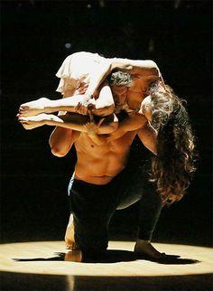 Meryl Davis and Maksim Chmerkovskiy dance a Freestyle routine on #DWTS Week 10 (5/19/14)