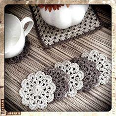 bandorka: Háčkovaný podšálek Small Crochet Gifts, Crochet Circles, Dog Pattern, Knit Crochet, Crochet Earrings, Diy Crafts, Knitting, Lace, Handmade