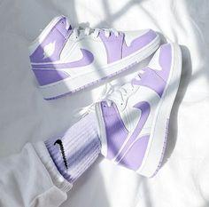 Dr Shoes, Cute Nike Shoes, Swag Shoes, Cute Nikes, Cute Sneakers, Nike Air Shoes, Hype Shoes, Sneakers Women, Purple Nike Shoes