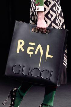 Gucci at Milan Fall 2016 (Details)