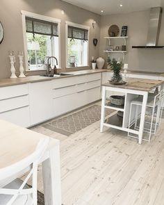 🌱 Deco Originale, Kitchen Dining, Condo, Sweet Home, House Design, Attic Ideas, Furniture, Kitchens, Construction